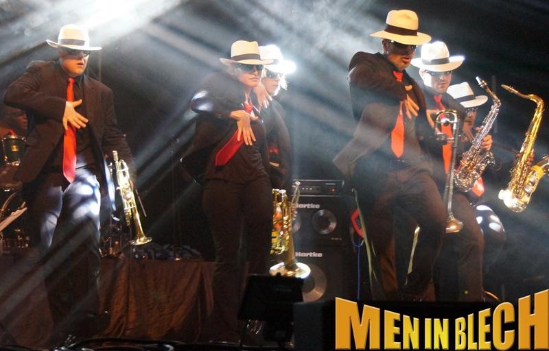Bands hamburg mobile band walking act witzige - Mobel taxi augsburg ...